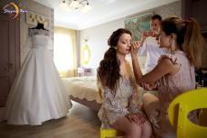Стилист на свадьбу в Крыму. Визажист, парикхмахер, мэйк на свадьбу Крым